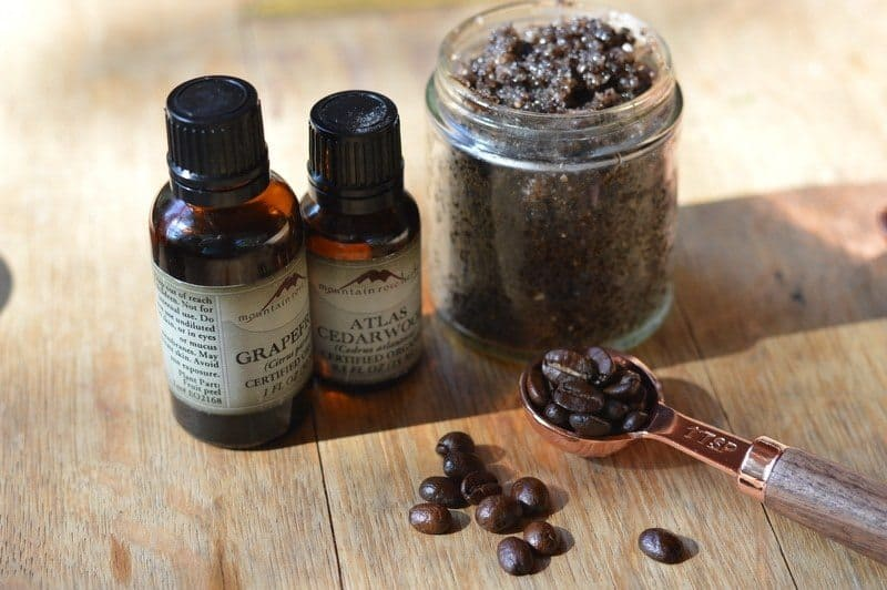 Dead-Sea-Salt-Coffee-Scrub-1